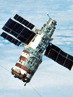 salyut_launch_16_salyut_7_in_orbit
