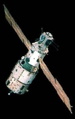 salyut_launch_17_mir_base_block_1986