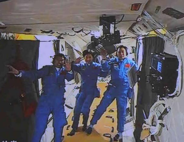 salyut_launch_24_shenzhou_9_aboard_tiangong_1_liu_wang_liu_yang_jing_haipeng