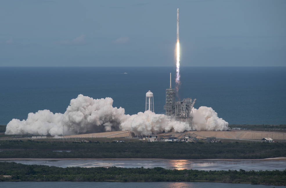 SpaceX Falcon 9 rocket, with the Dragon spacecraft onboard