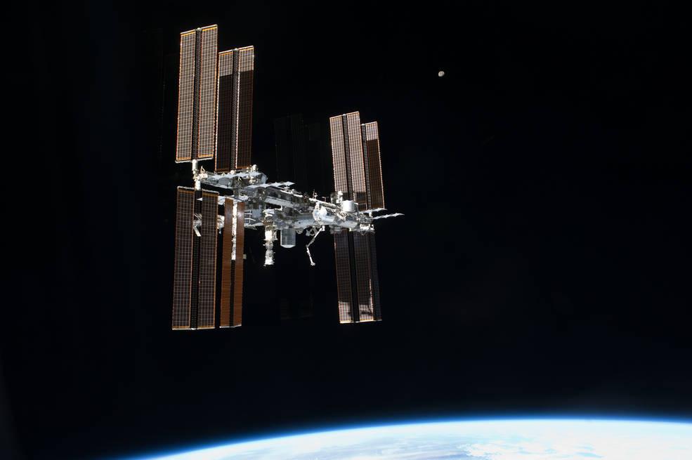 Imagen de la Estación Espacial Internacional, vista desde el Transbordador Espacial Atlantis en 2011.