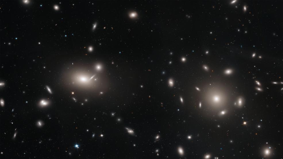 Přes 20 tisíc kulových hvězdokup v galaktické kupě Coma pomůže astronomům zmapovat temnou hmotu