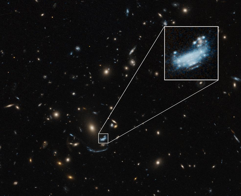 Hubble Space Telescope image of galaxy SDSS J1226+2152