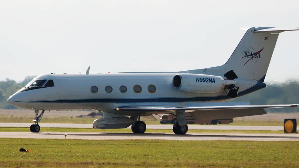 Aeronave Gulfstream III equipada com o instrumento UAVSAR da NASA