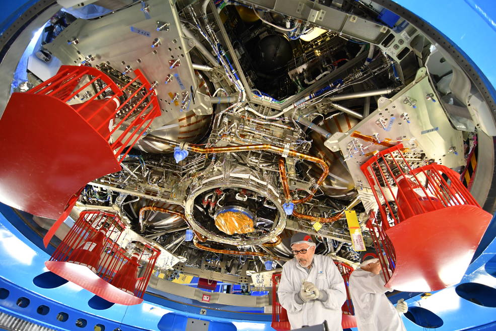 view_from_below_orion_european_service_m