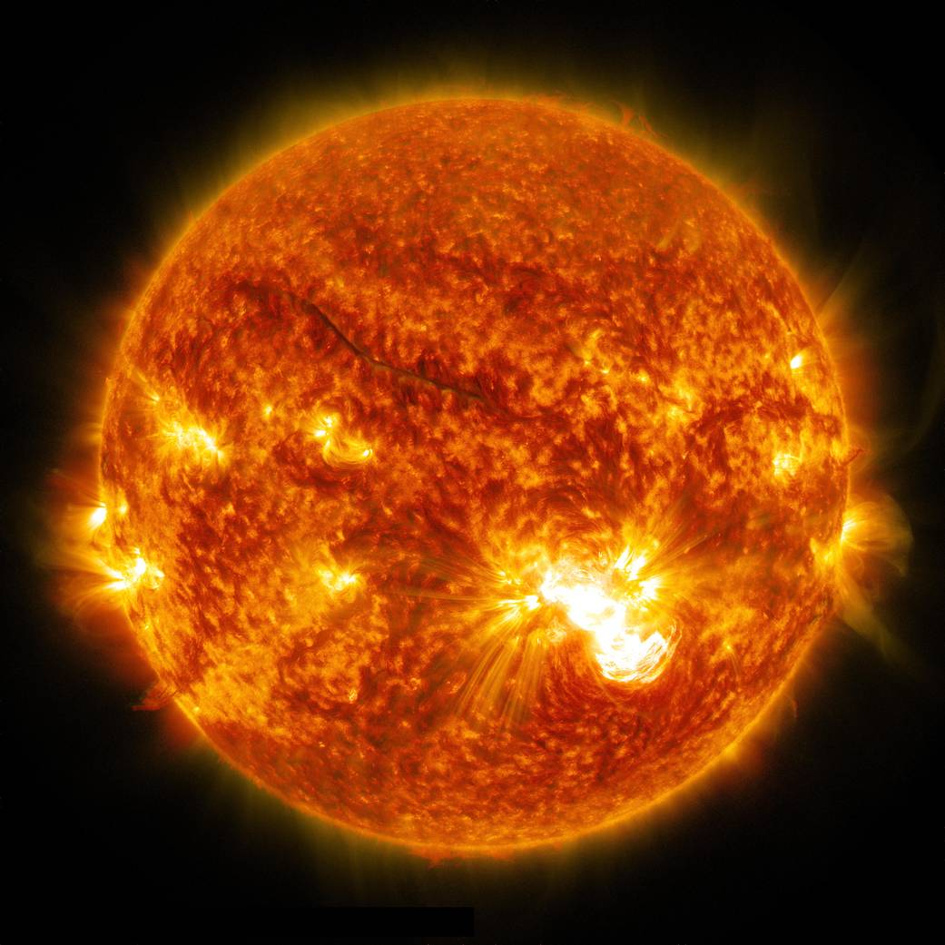 Um alargamento solar da classe X3.1 em 24 de outubro de 2014 como visto pela SDO.