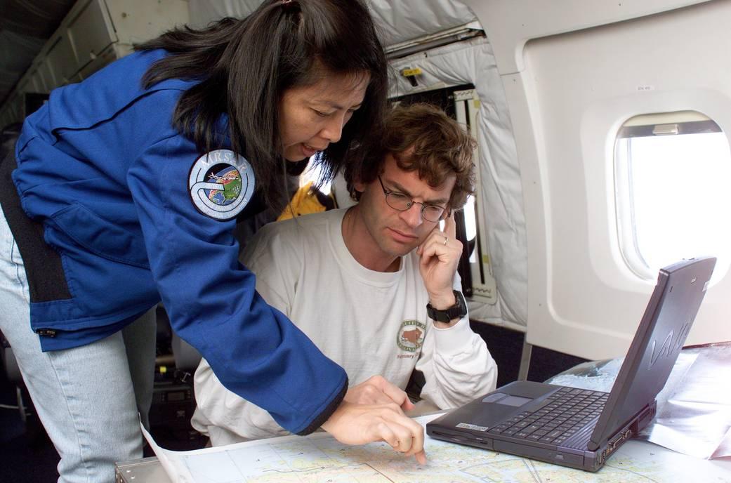 DC-8 Flying Laboratory in Flight | NASA