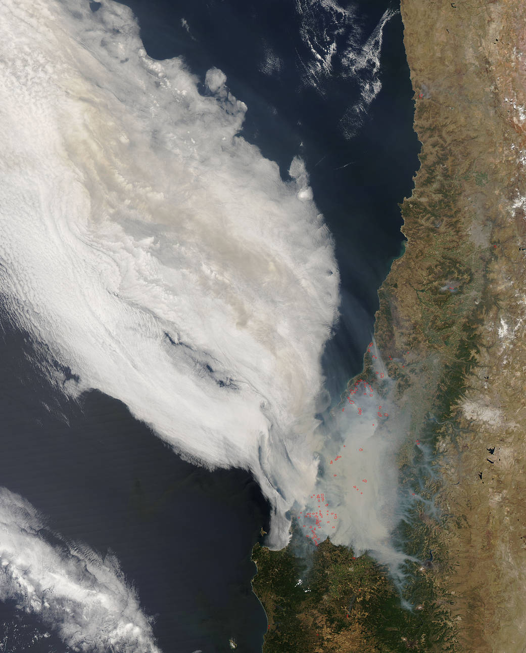 Fires and smoke in Central Chile