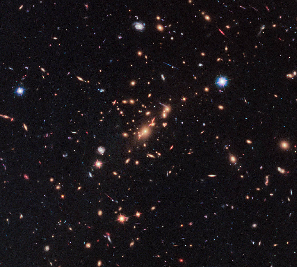 Wide view of galaxy cluster from Hubble space telescope