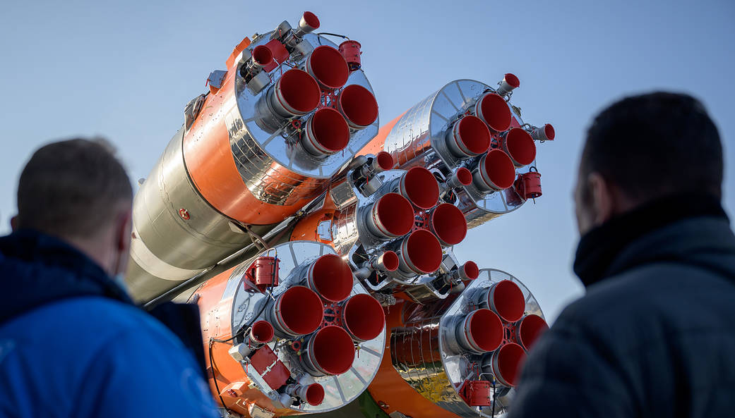 Expedition 65 rollout April 6, 2021