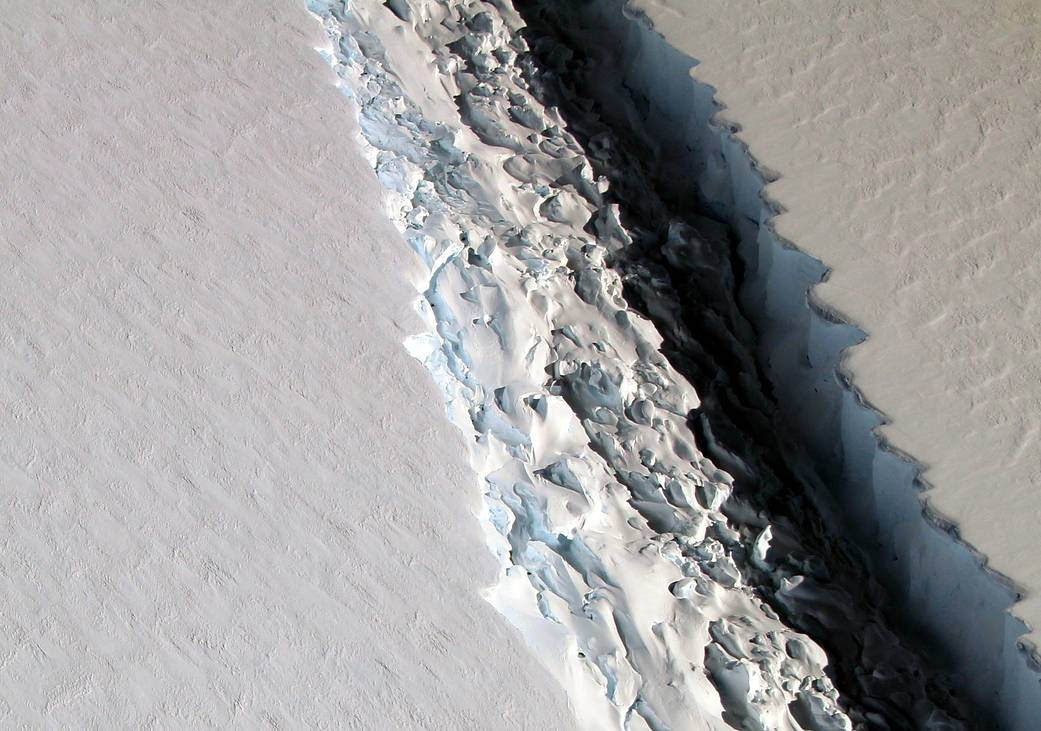 Rift in ice shelf photographed from flight overhead