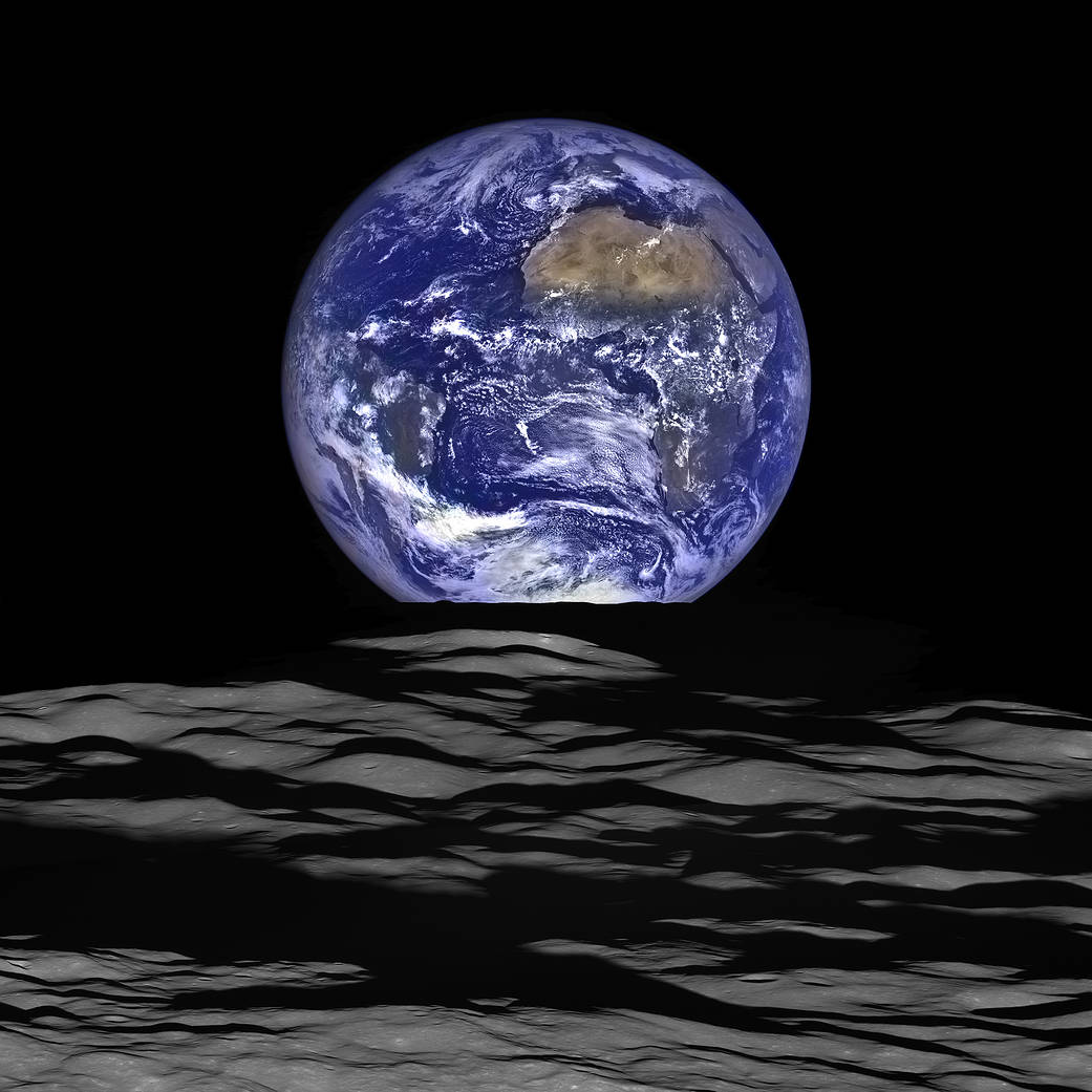 New Earthrise Image from LRO spacecraft