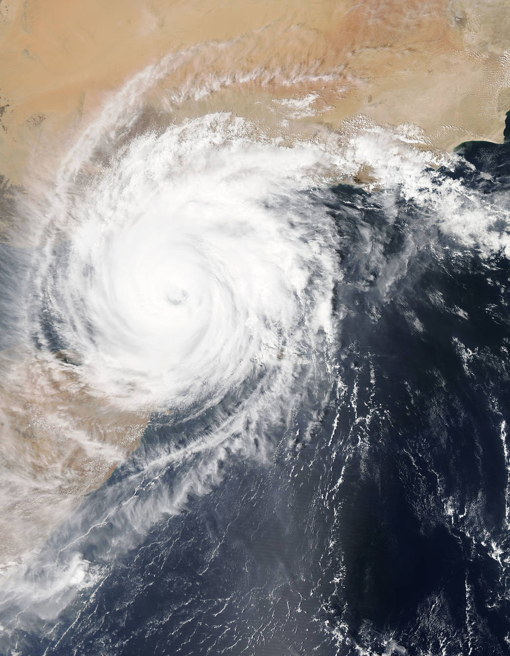 Tropical Cyclone Chapala made landfall on mainland Yemen early on November 3, 2015, dumping torrential rains.
