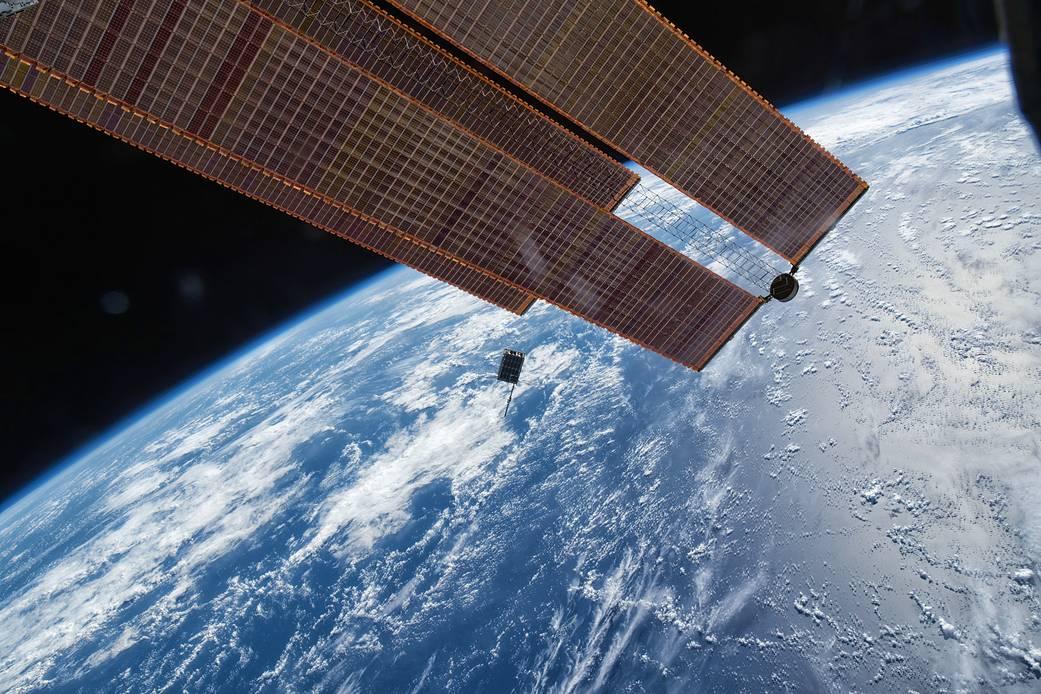 Station crew releases Dellingr spacecraft