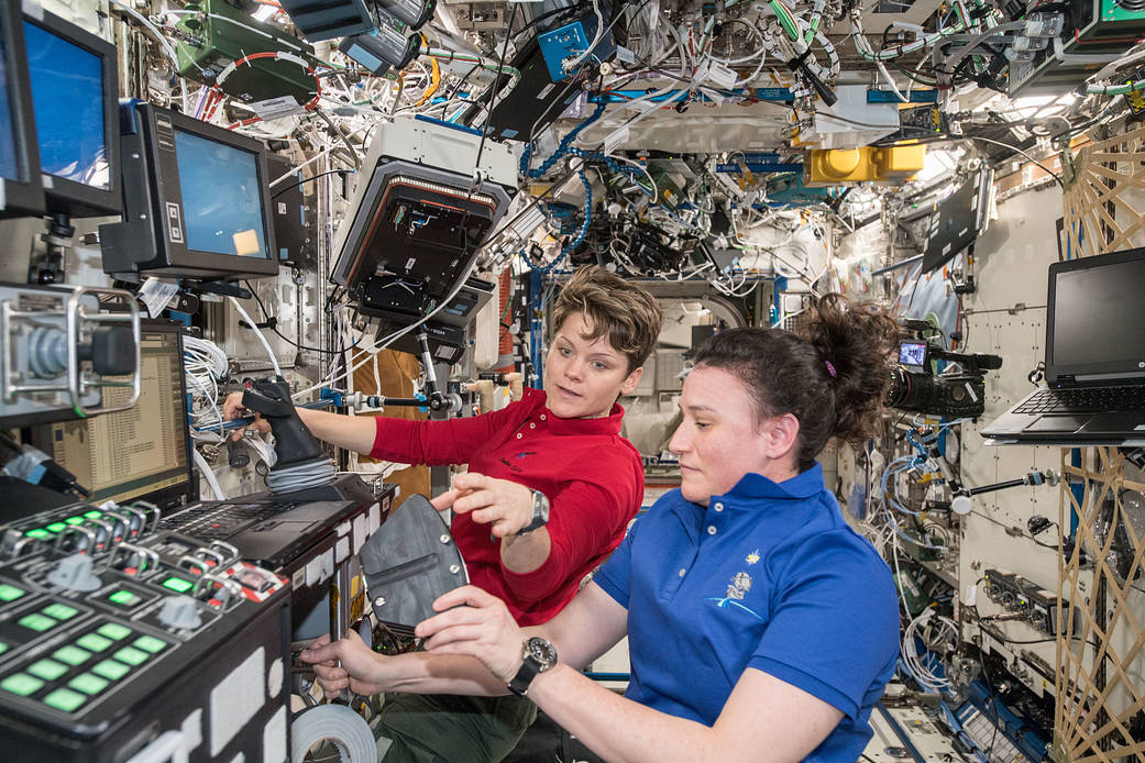 astronauts Anne McClain and Serena Auñón-Chancellor