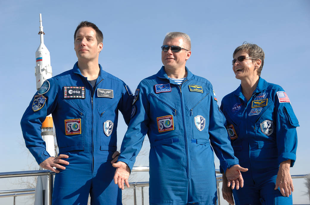Expedition 50-51 crew members