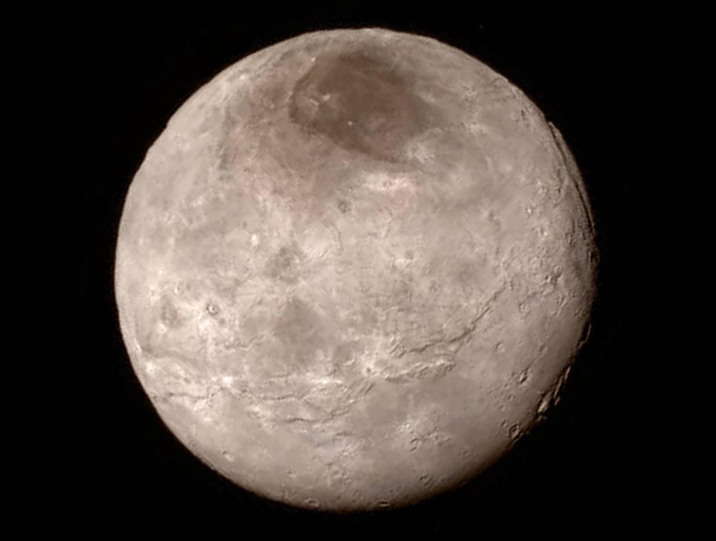 Nærbillede af Pluto-Månen Charon