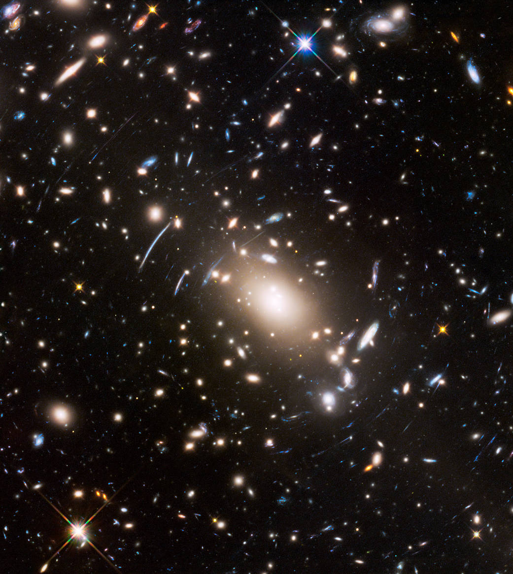 Massive cluster of galaxies