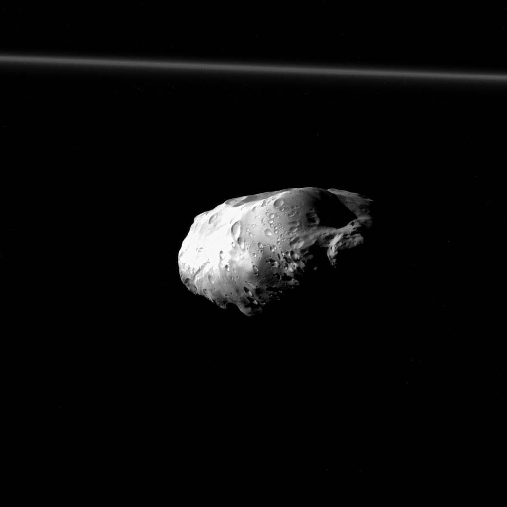 Espectacular Imagen de Prometeo Captada por Cassini