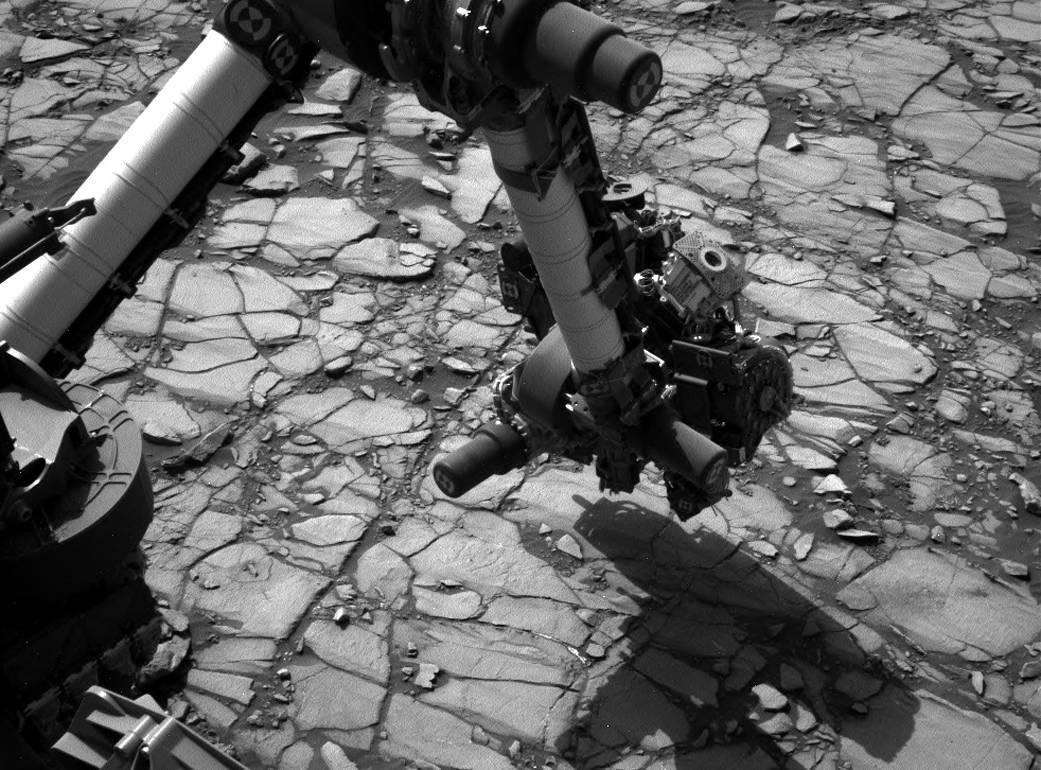 Curiosity's arm over 'Marimba' target