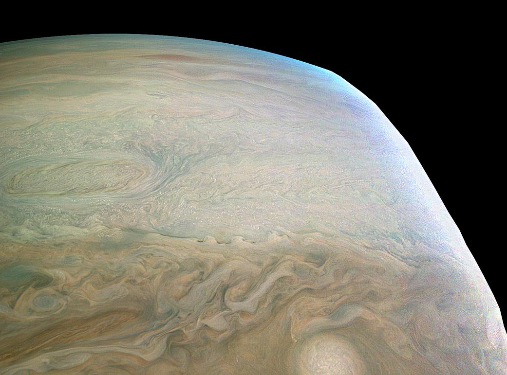 Noi imagini cu Jupiter capturate de sonda Juno arata superb 138