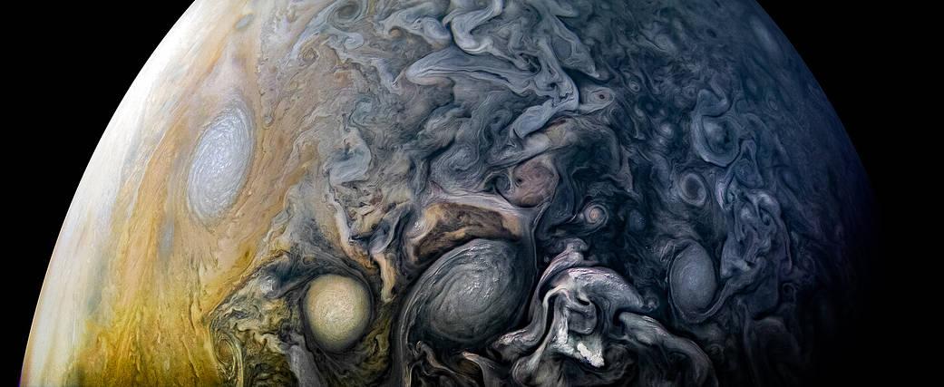 Intricate Clouds of Jupiter Pia21984-2000