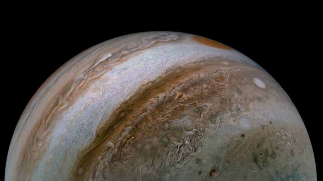 Profundas corrientes en la atmósfera de Júpiter