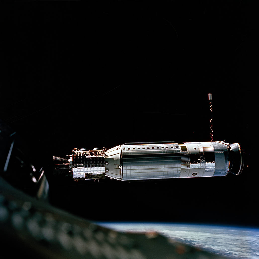 Target docking vehicle approaches Gemini spacecraft