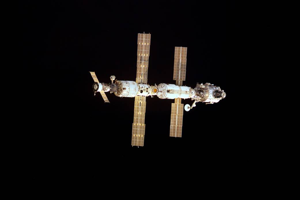 International Space Station in December 2000 with modules and solar arrays visible