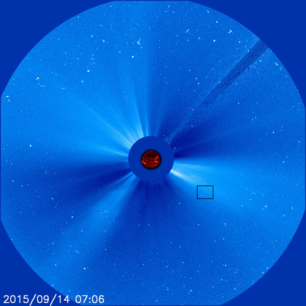 Image taken by SOHO observatory with inset highlighting 3,000th comet.
