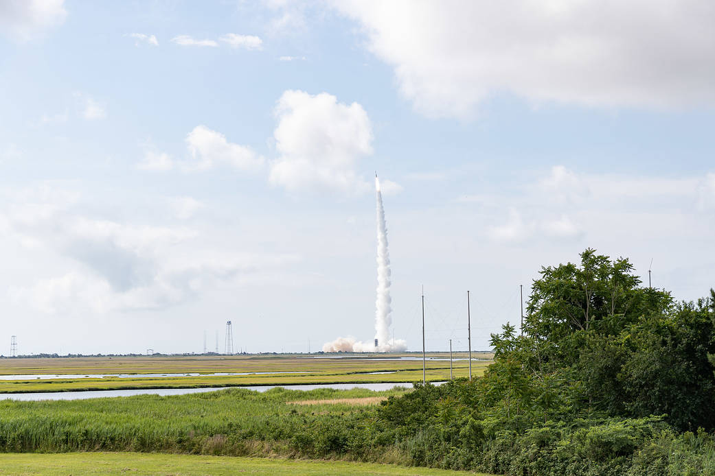 Minotaur I Launches from Wallops Wff-2021-032-001