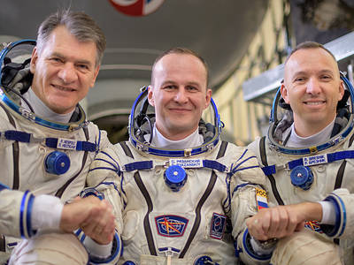 The Expedition 53 crew