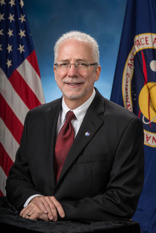 Mark Geyer  - jsc2014e037863 - Johnson Space Center Director Mark Geyer Moves To New Role