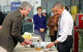 President Barack Obama learns about technology that recycles plastic into light crude oil