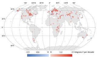 Global lake temperature map
