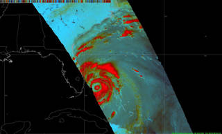 A double eye-wall structure captured of Hurricane #Matthew at 3 p.m. EDT