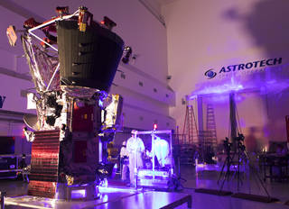Traveling to the Sun: Why Won't Parker Solar Probe Melt? 41983266465_760f51c5a0_o