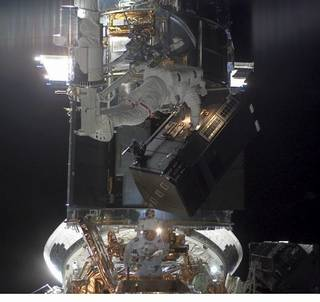 astronauts install ACS on Hubble