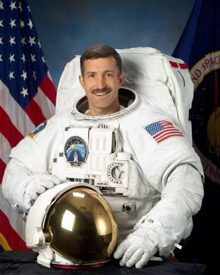 Astronaut Daniel C. Burbank, NASA photo Source: NASA Biography Page 9359923126_d2fe9d325c_o_0.jpg