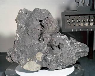Apollo 16 sample