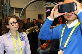 CES attendees experience 3D virtual reality on Mars