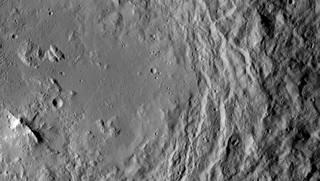 Зора испраќа појасни фотографии од Церера