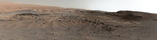 Curiosity Rover's View of Alluring Martian Geology Ahead