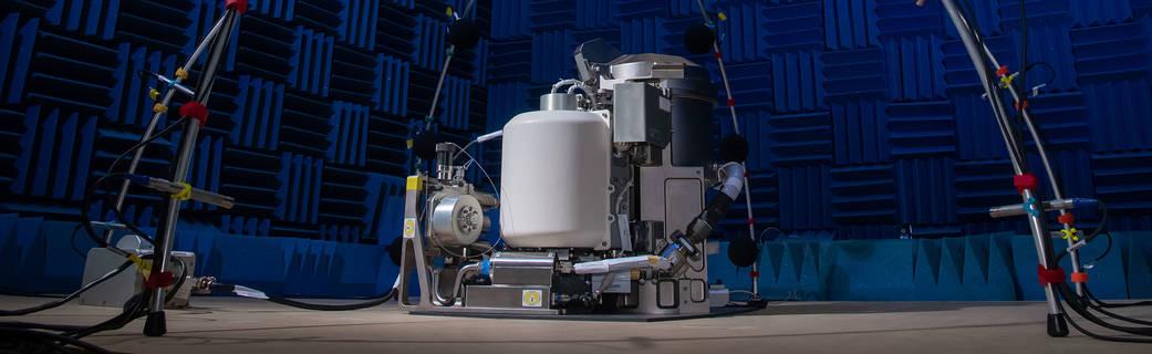 Il nuovo Universal Waste Management System. Test acustico. Bagno spaziale da 23 milioni di dollari