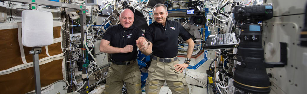 ASA astronaut Scott Kelly and Russian cosmonaut Mikhail Kornienko