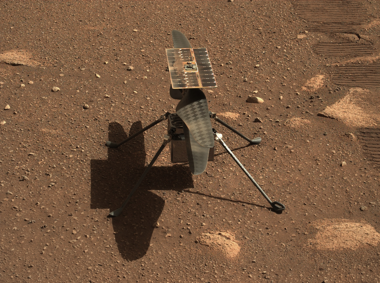 1-pia24547-mastcam-z_gives_ingenuity_a_c