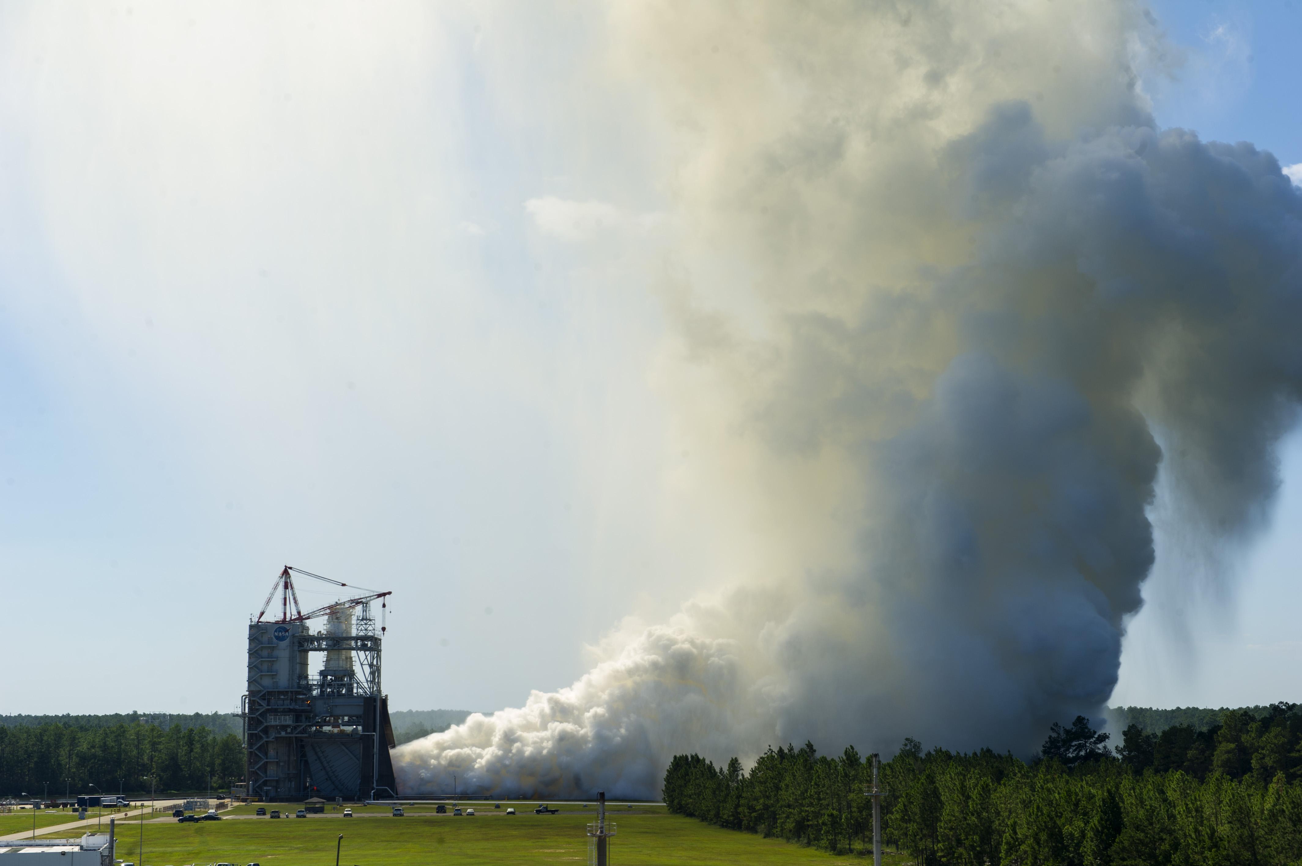 NASA Concludes Series of Engine Tests for Next-Gen Rocket ...