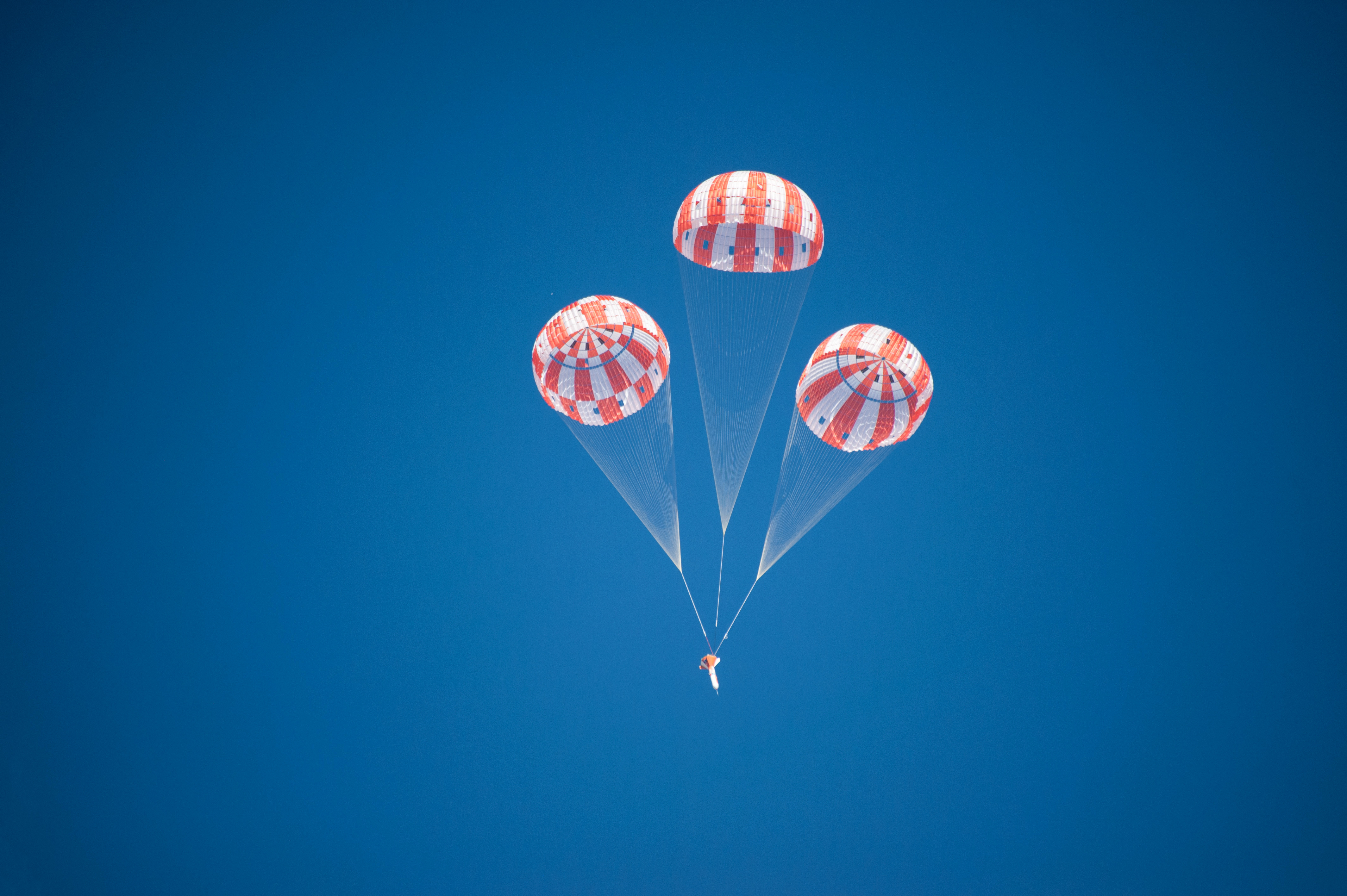 NASA begins tests to qualify Orion parachutes for mission ...