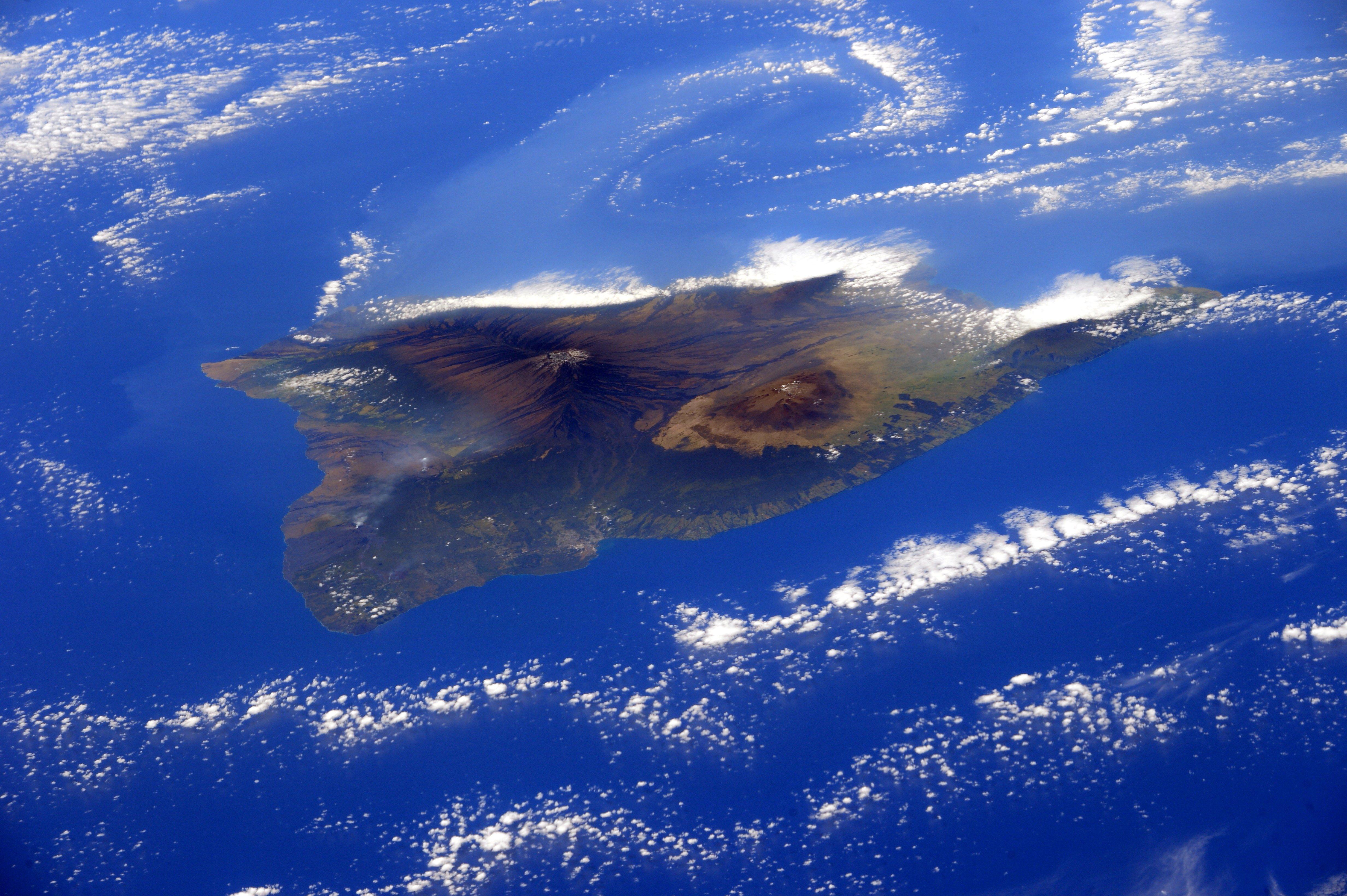NASA shares photo of Hawaii Island from space | Hawaii ...
