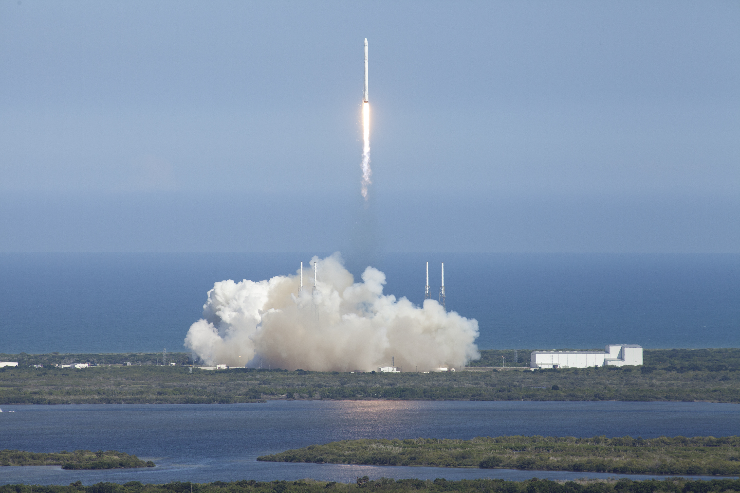 SpaceX Launches NASA Cargo and Research To International ...